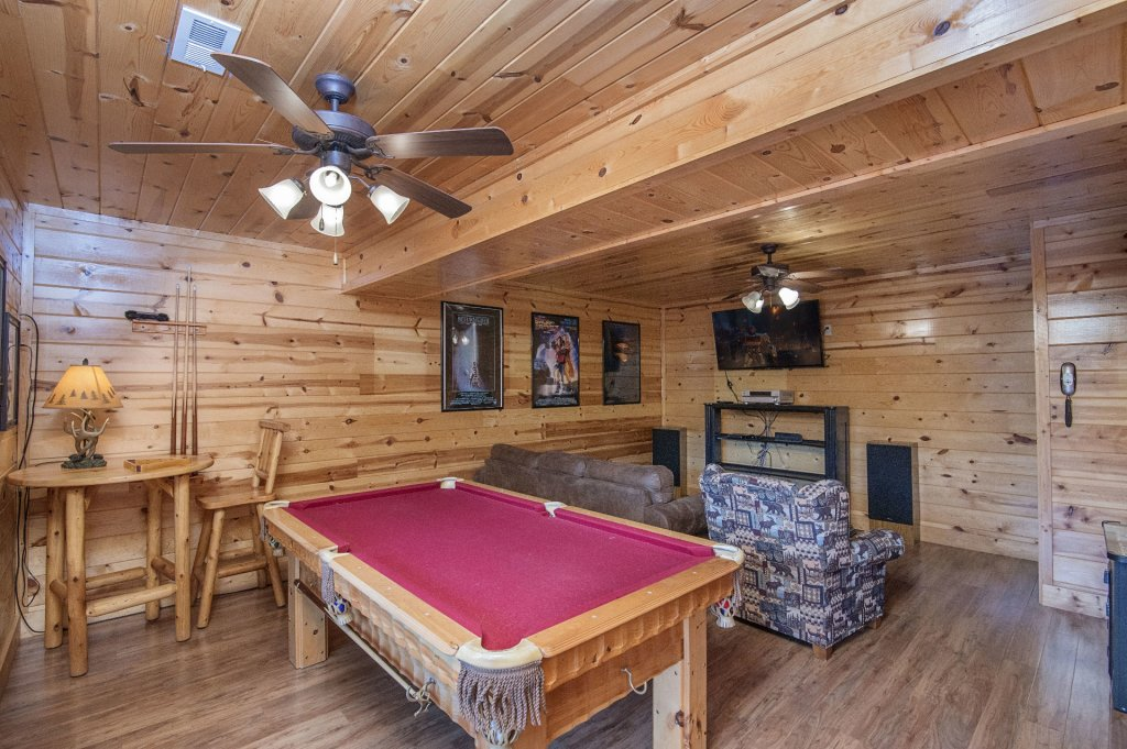 Photo of a Pigeon Forge Cabin named  Black Hawk Hideaway - This is the thirty-eighth photo in the set.