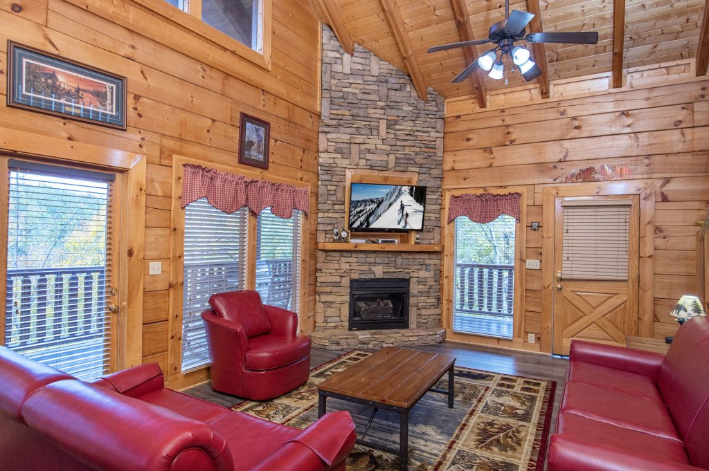 Photo of a Sevierville Cabin named  Tranquility - This is the fifth photo in the set.