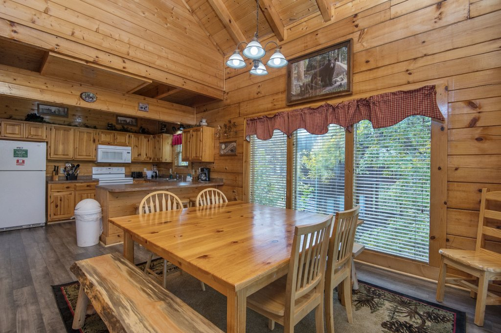 Photo of a Sevierville Cabin named  Tranquility - This is the ninth photo in the set.
