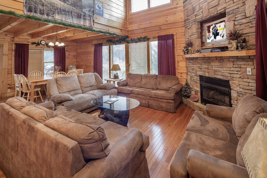 Photo of a Sevierville Cabin named  Black Beary Ridge - This is the fifth photo in the set.