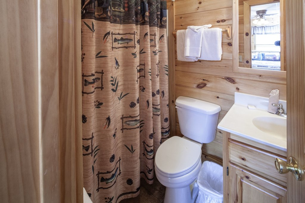 Photo of a Sevierville Cabin named  Black Beary Ridge - This is the nineteenth photo in the set.
