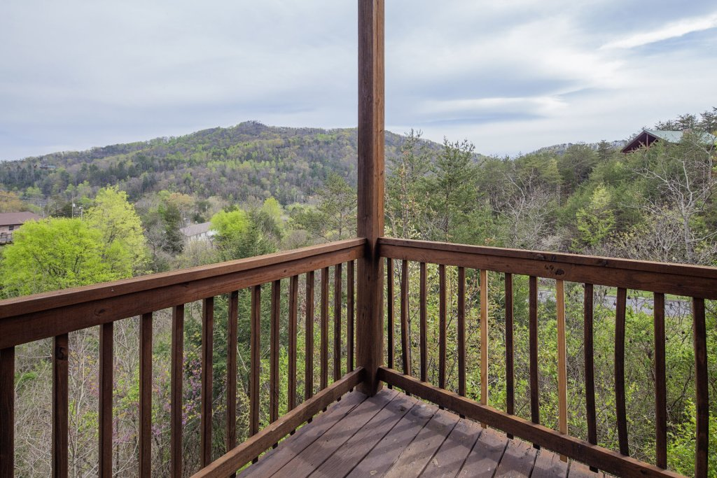 Photo of a Sevierville Cabin named  Black Beary Ridge - This is the seventh photo in the set.