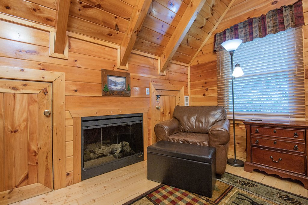 Photo of a Pigeon Forge Cabin named Majestic Mountain View - This is the thirty-fifth photo in the set.