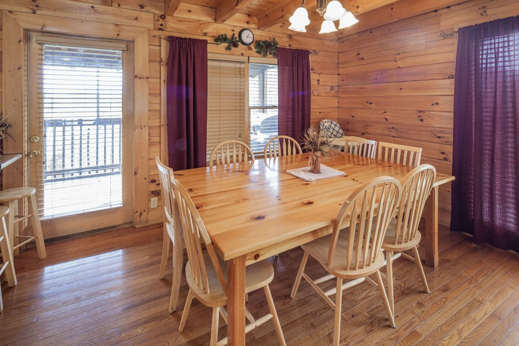 Photo of a Sevierville Cabin named  Black Beary Ridge - This is the thirty-fourth photo in the set.
