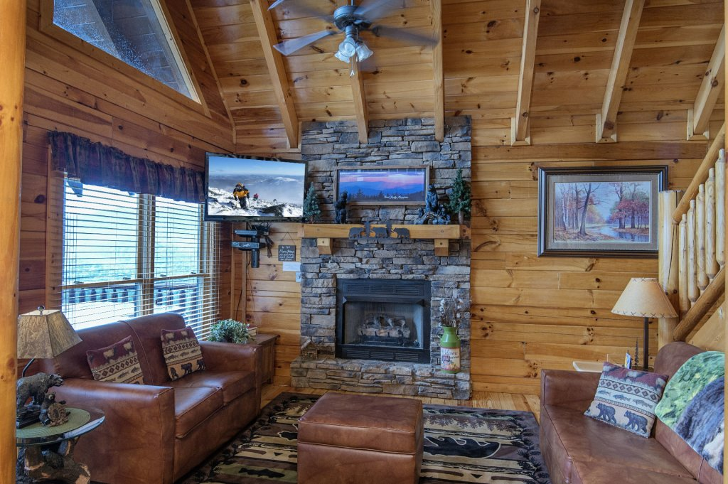 Photo of a Pigeon Forge Cabin named Majestic Mountain View - This is the ninth photo in the set.