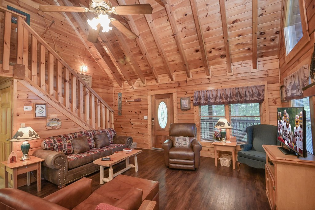 Photo of a Pigeon Forge Cabin named  Pirate's Cove - This is the seventh photo in the set.