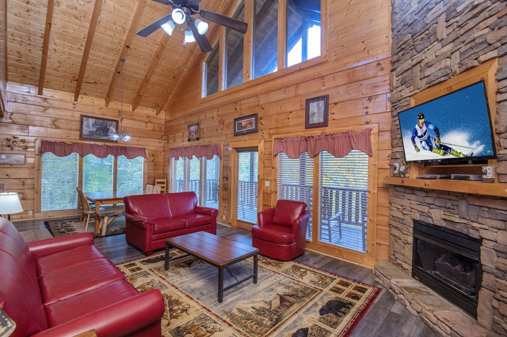 Photo of a Sevierville Cabin named  Tranquility - This is the fourth photo in the set.