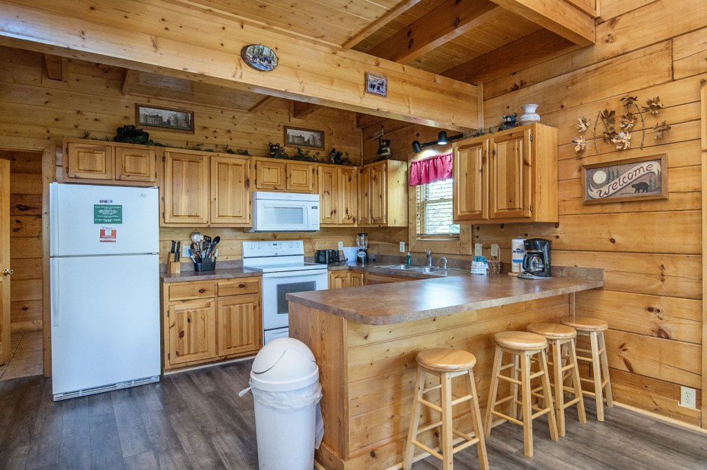 Photo of a Sevierville Cabin named  Tranquility - This is the seventh photo in the set.