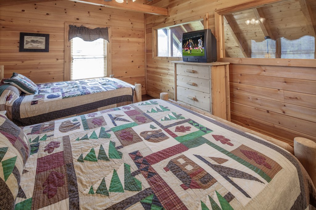 Photo of a Sevierville Cabin named  Black Beary Ridge - This is the twenty-sixth photo in the set.