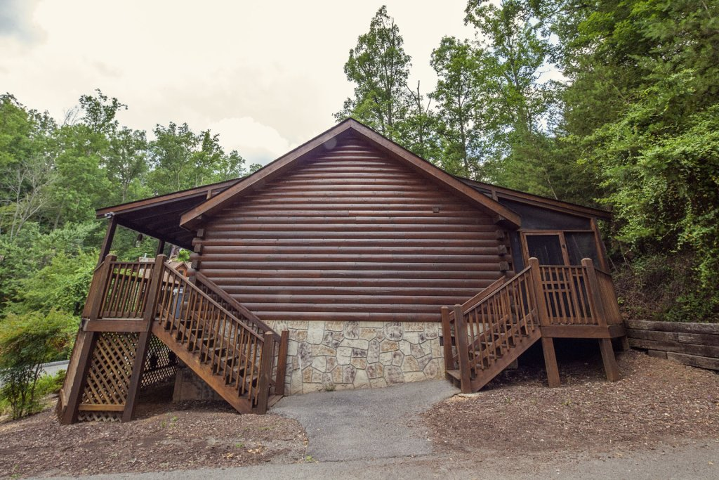 Photo of a Pigeon Forge Cabin named  A Smoky Mountain Dream - This is the eighteenth photo in the set.