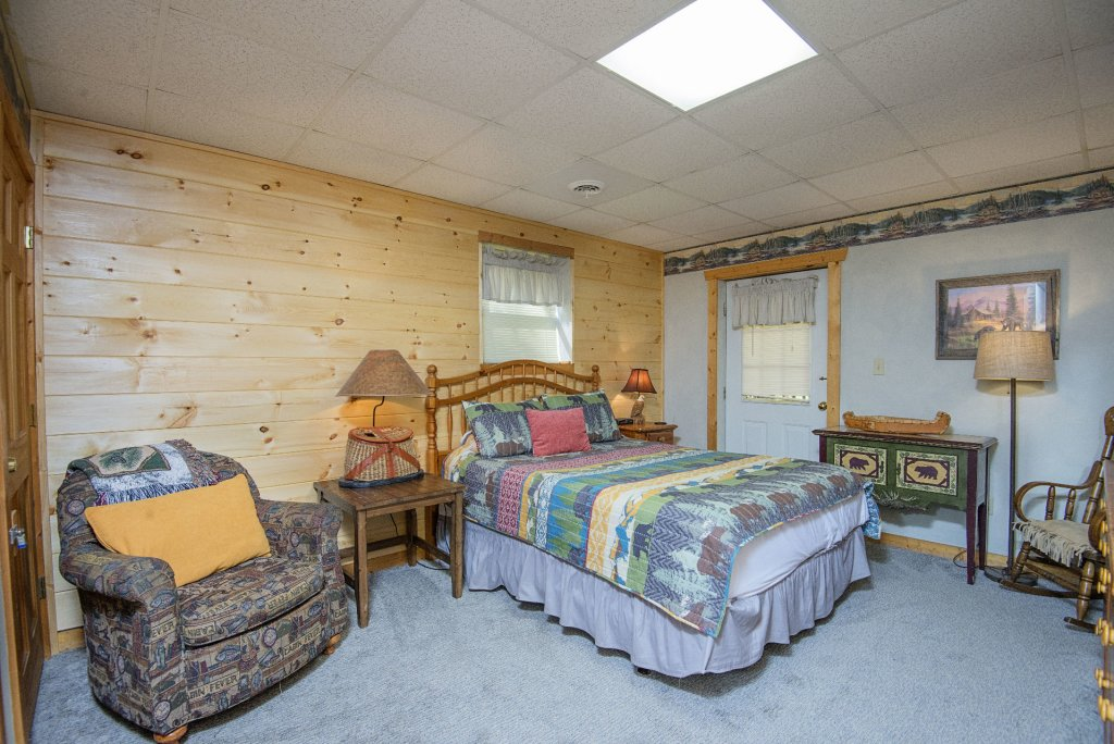 Photo of a Pigeon Forge Cabin named  Smoky Mountain Getaway - This is the fourteenth photo in the set.