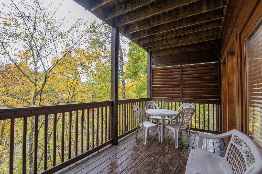 Photo of a Sevierville Cabin named  Tranquility - This is the twenty-third photo in the set.