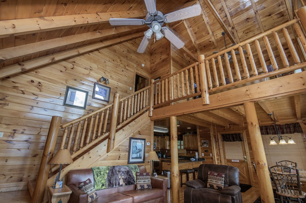 Photo of a Pigeon Forge Cabin named Majestic Mountain View - This is the tenth photo in the set.