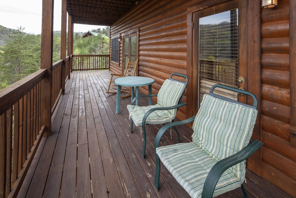 Photo of a Sevierville Cabin named  Black Beary Ridge - This is the fourteenth photo in the set.