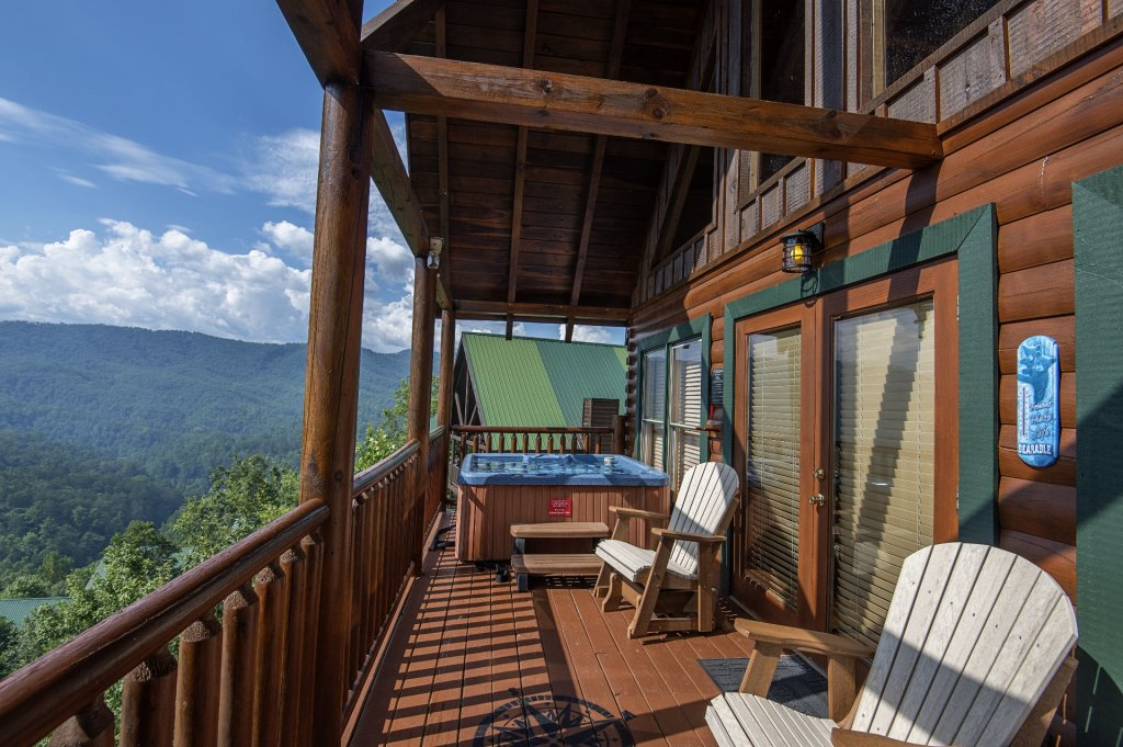 Photo of a Pigeon Forge Cabin named Majestic Mountain View - This is the forty-second photo in the set.