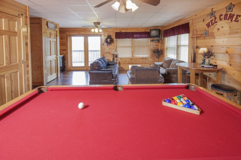 Photo of a Sevierville Cabin named  Black Beary Ridge - This is the tenth photo in the set.