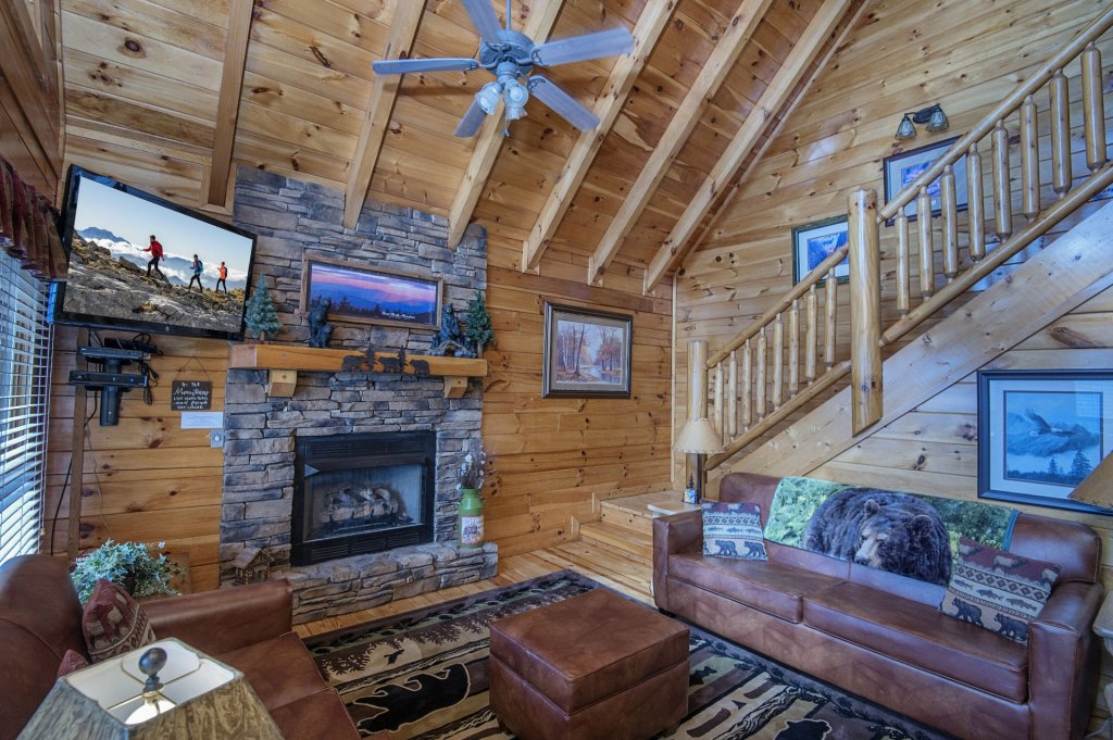 Photo of a Pigeon Forge Cabin named Majestic Mountain View - This is the third photo in the set.