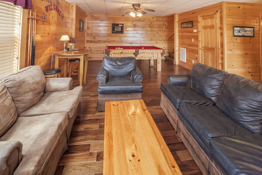 Photo of a Sevierville Cabin named  Black Beary Ridge - This is the twelfth photo in the set.