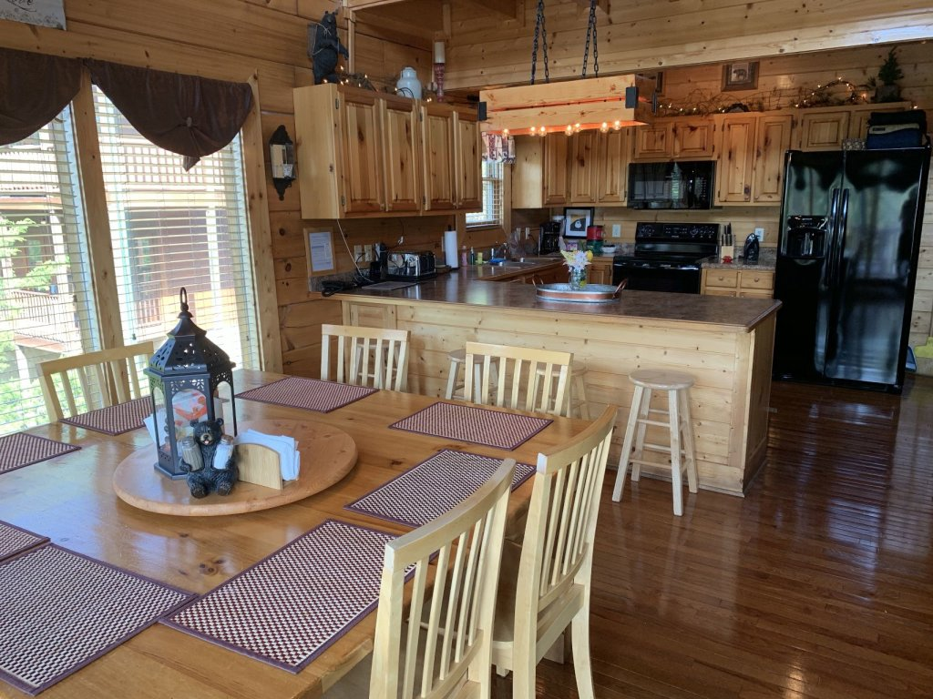 Photo of a Sevierville Cabin named  Simply The Best - This is the eighth photo in the set.