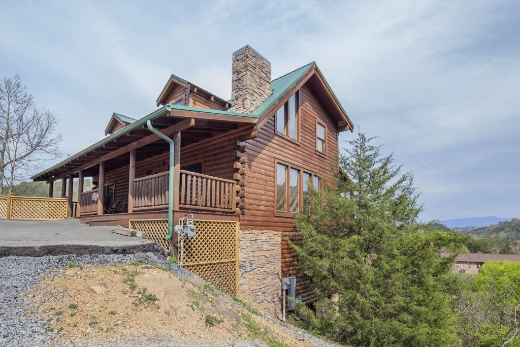 Photo of a Sevierville Cabin named  Black Beary Ridge - This is the thirty-seventh photo in the set.
