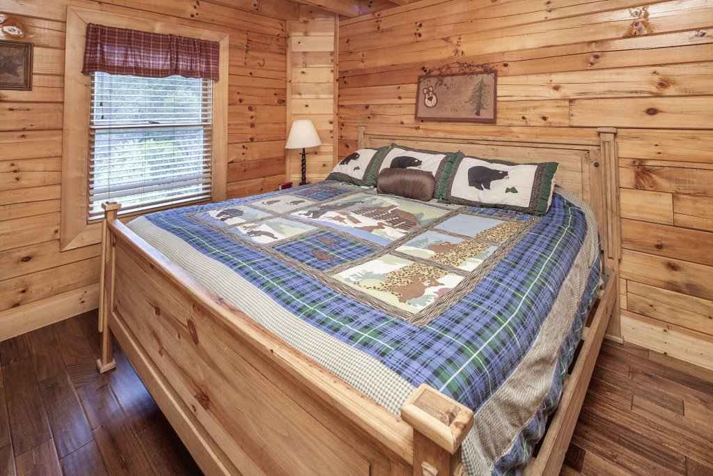 Photo of a Sevierville Cabin named  Black Beary Ridge - This is the twenty-first photo in the set.