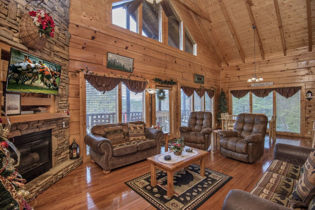 Photo of a Sevierville Cabin named  Simply The Best - This is the fourth photo in the set.