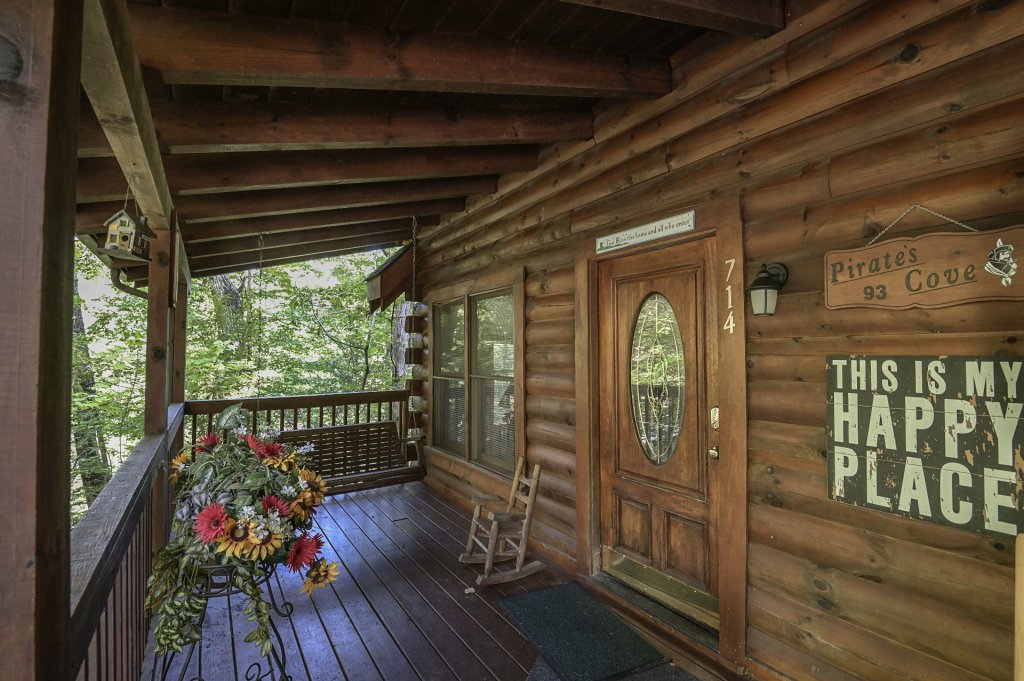 Photo of a Pigeon Forge Cabin named  Pirate's Cove - This is the thirty-seventh photo in the set.