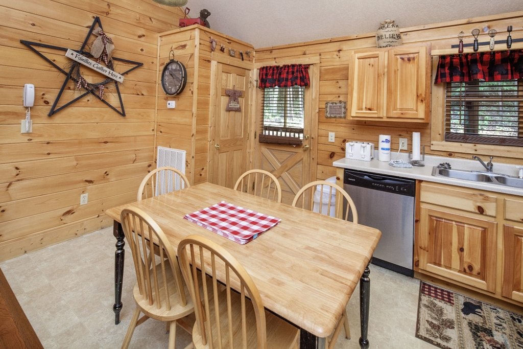 Photo of a Pigeon Forge Cabin named  A Smoky Mountain Dream - This is the seventh photo in the set.