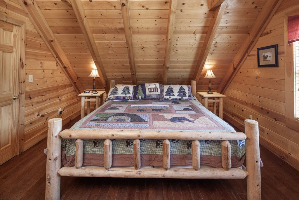Photo of a Sevierville Cabin named  Black Beary Ridge - This is the twenty-seventh photo in the set.