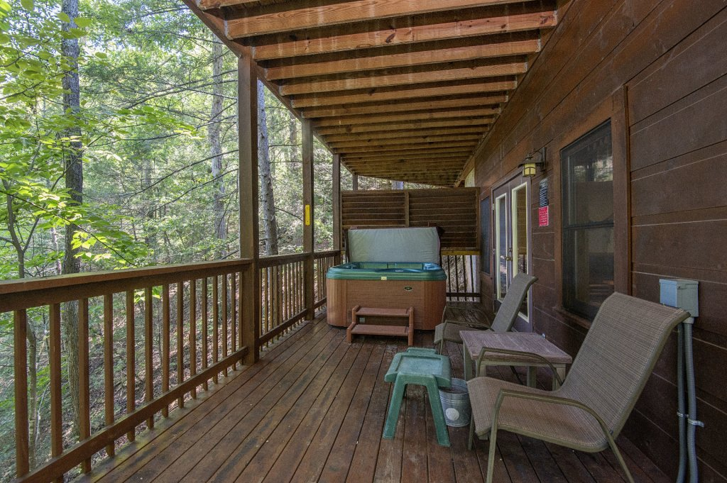 Photo of a Pigeon Forge Cabin named  Hibernation Hideaway - This is the twenty-third photo in the set.