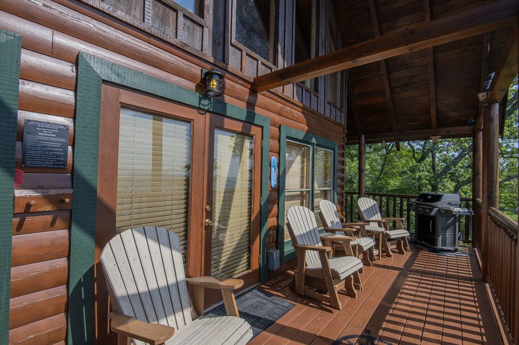 Photo of a Pigeon Forge Cabin named Majestic Mountain View - This is the fortieth photo in the set.
