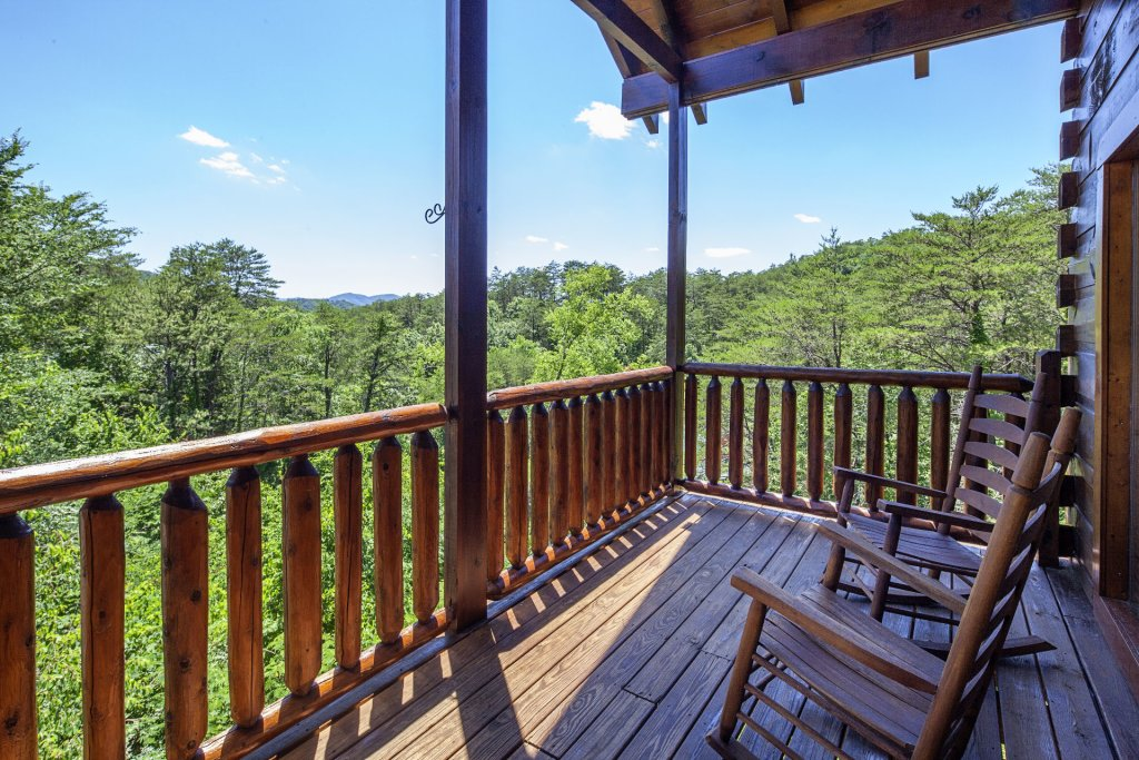 Photo of a Sevierville Cabin named  Simply The Best - This is the thirty-fifth photo in the set.