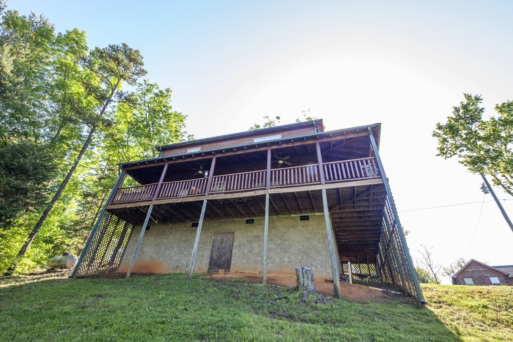 Photo of a Sevierville Cabin named Bear Hugs - This is the thirty-fourth photo in the set.