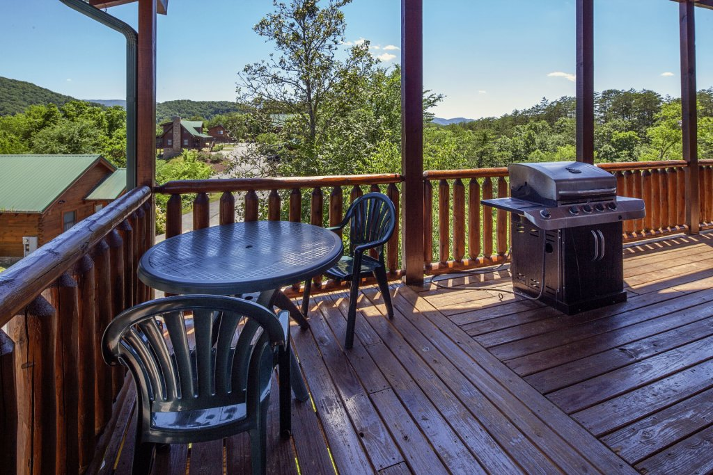 Photo of a Sevierville Cabin named  Simply The Best - This is the thirty-second photo in the set.