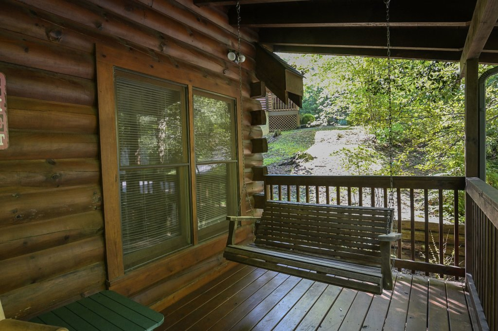 Photo of a Pigeon Forge Cabin named  Pirate's Cove - This is the thirty-ninth photo in the set.