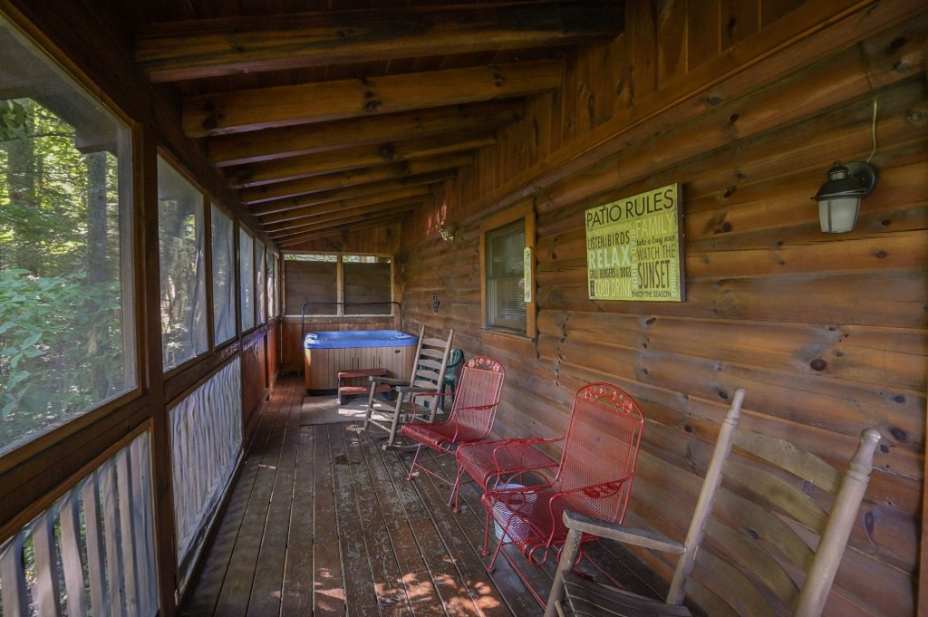 Photo of a Pigeon Forge Cabin named  Pirate's Cove - This is the thirty-fifth photo in the set.