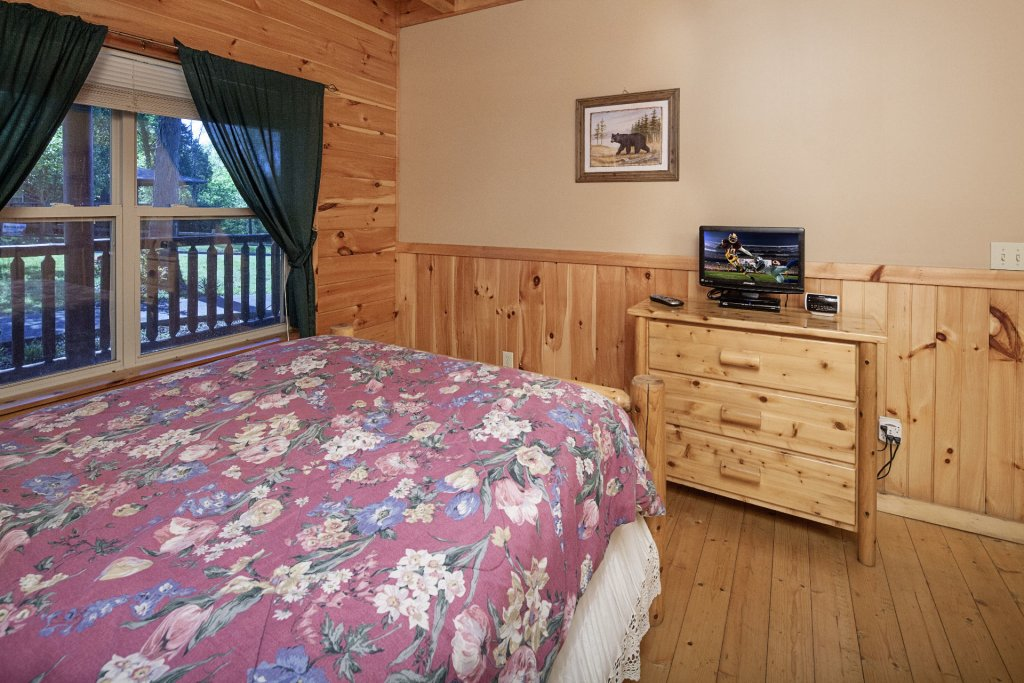 Photo of a Sevierville Cabin named Bear Hugs - This is the nineteenth photo in the set.