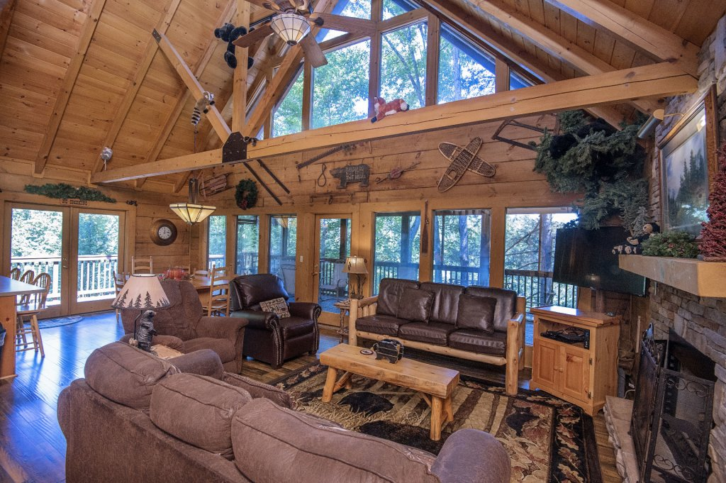 Photo of a Pigeon Forge Cabin named  Hibernation Hideaway - This is the fourth photo in the set.