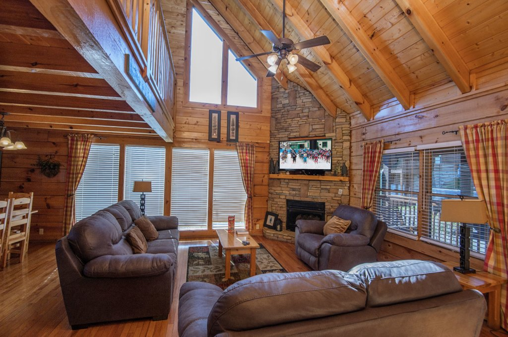 Photo of a Sevierville Cabin named  The Cedars - This is the second photo in the set.