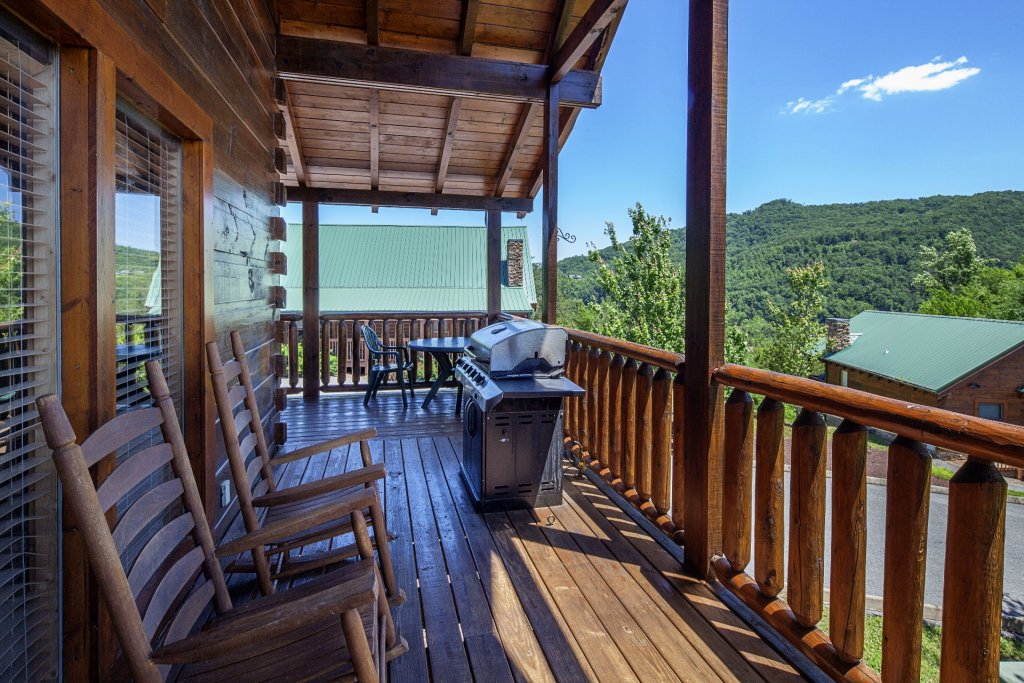 Photo of a Sevierville Cabin named  Simply The Best - This is the twelfth photo in the set.