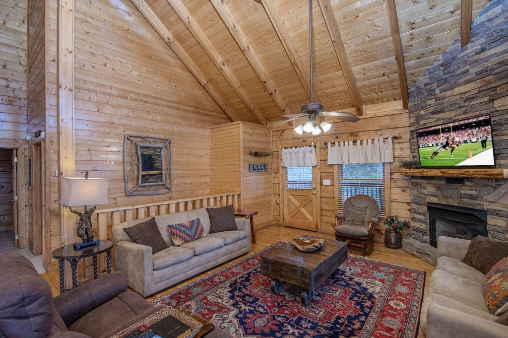 Photo of a Sevierville Cabin named  Eagles On High - This is the seventh photo in the set.