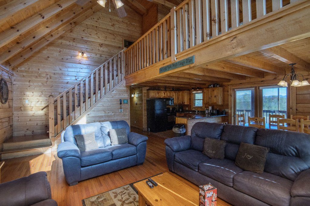 Photo of a Sevierville Cabin named  The Cedars - This is the fourth photo in the set.