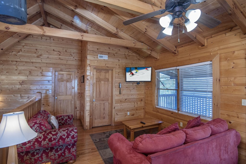 Photo of a Sevierville Cabin named  The Cedars - This is the forty-fifth photo in the set.