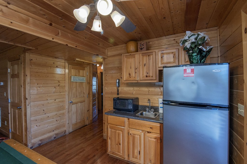 Photo of a Sevierville Cabin named  The Cedars - This is the thirteenth photo in the set.