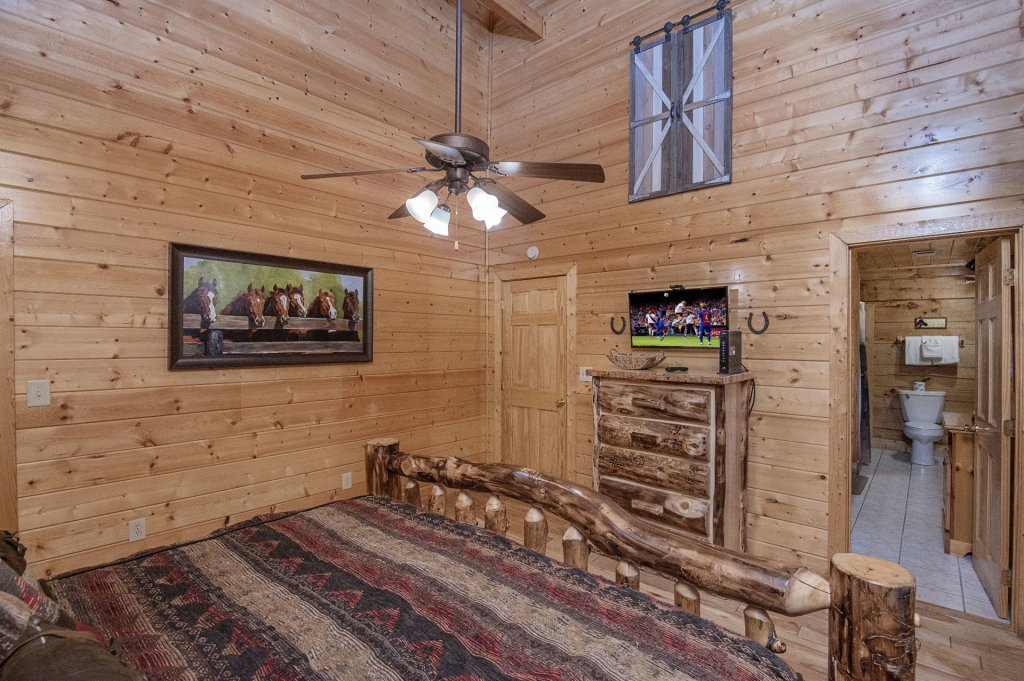 Photo of a Sevierville Cabin named  Eagles On High - This is the thirtieth photo in the set.