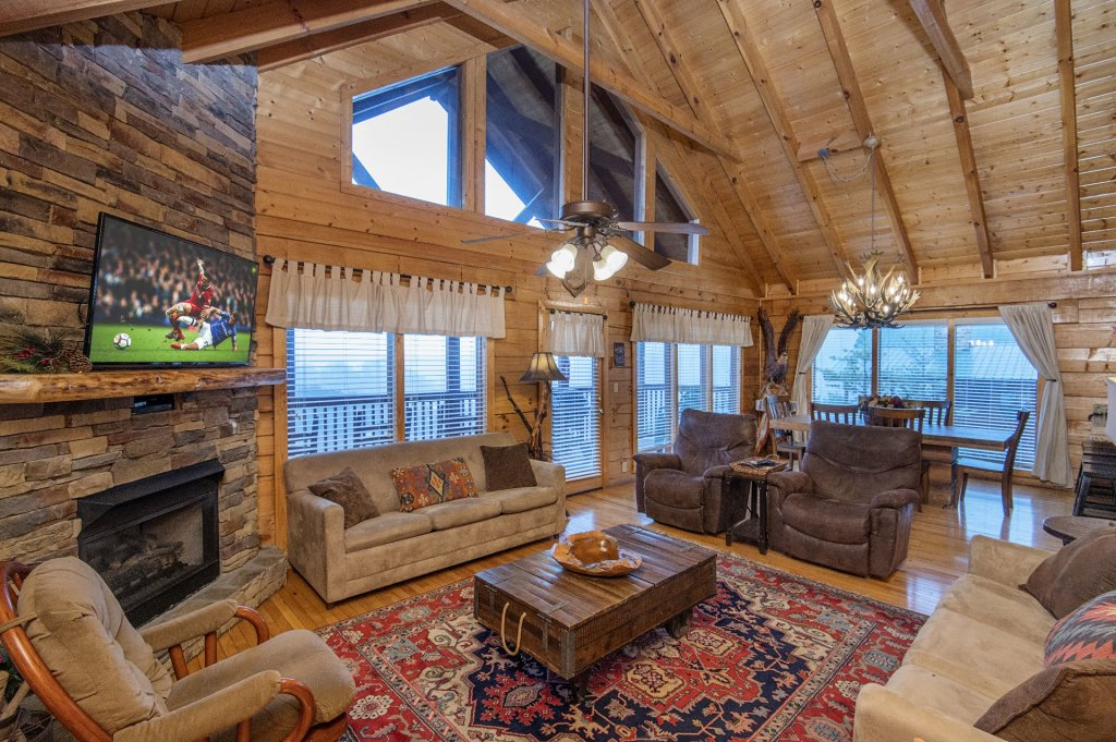 Photo of a Sevierville Cabin named  Eagles On High - This is the fifth photo in the set.