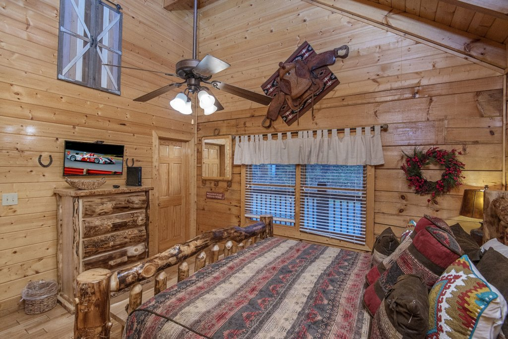 Photo of a Sevierville Cabin named  Eagles On High - This is the twenty-ninth photo in the set.