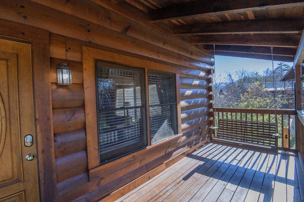 Photo of a Sevierville Cabin named  The Cedars - This is the thirty-first photo in the set.