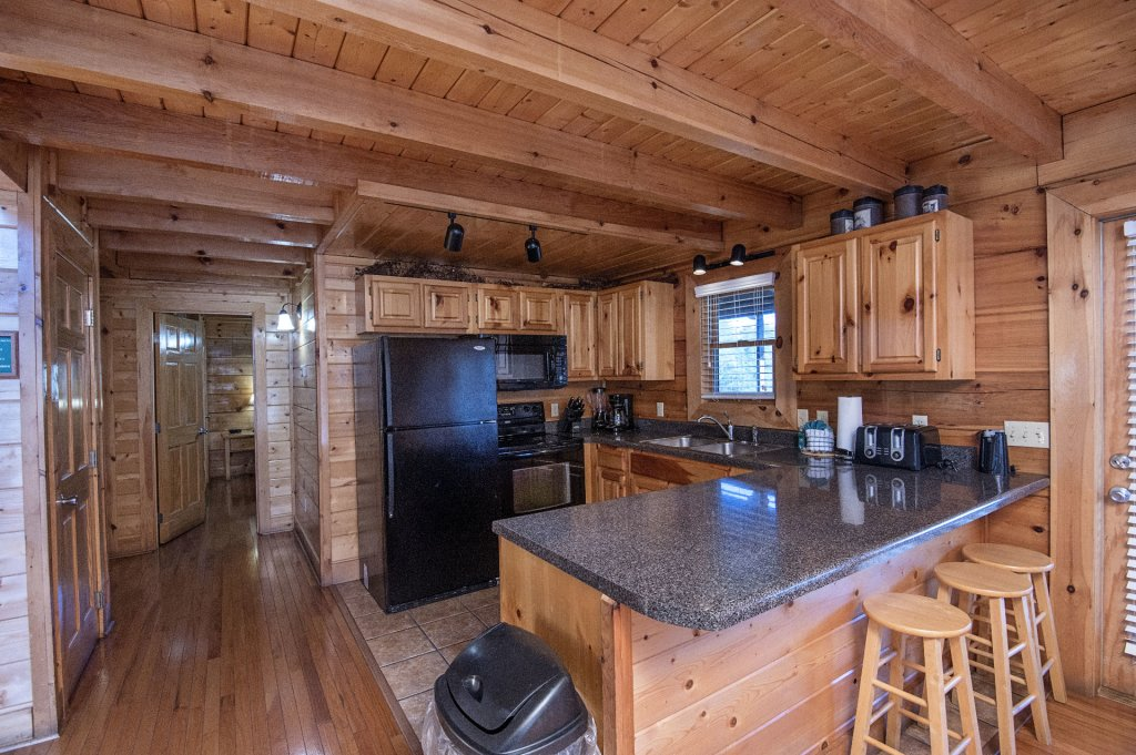 Photo of a Sevierville Cabin named  The Cedars - This is the fifth photo in the set.