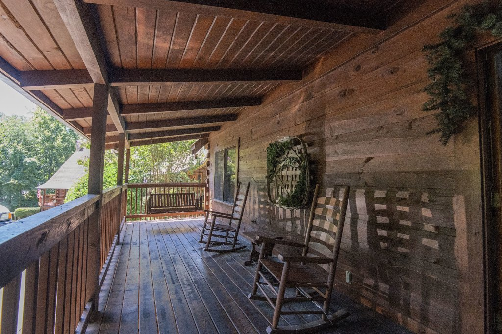 Photo of a Pigeon Forge Cabin named  Hibernation Hideaway - This is the thirty-seventh photo in the set.
